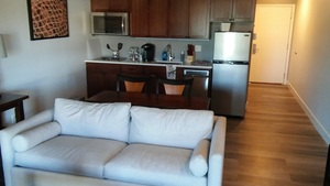 King Kitchenette Suite with View and Balcony Photo 6