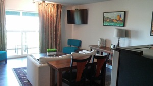 King Kitchenette Suite with View and Balcony Photo 7